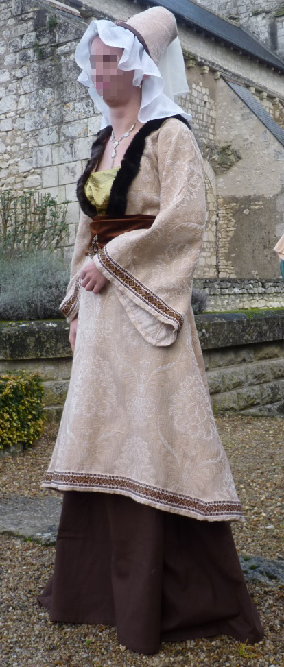 Joan of Theneuil's costume