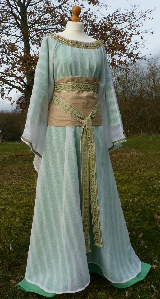 Sibylle of Anjou's costume