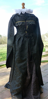 Thumbnail of the Catherine de' Medici's costume
