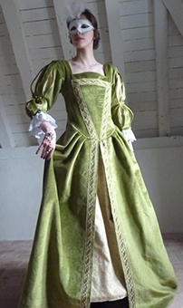 Thumbnail of the Venitian lady's costume
