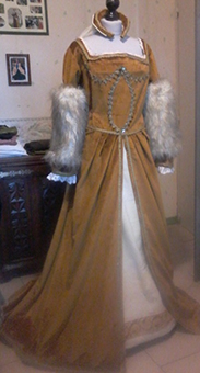 Thumbnail of the Queen Claude's costume