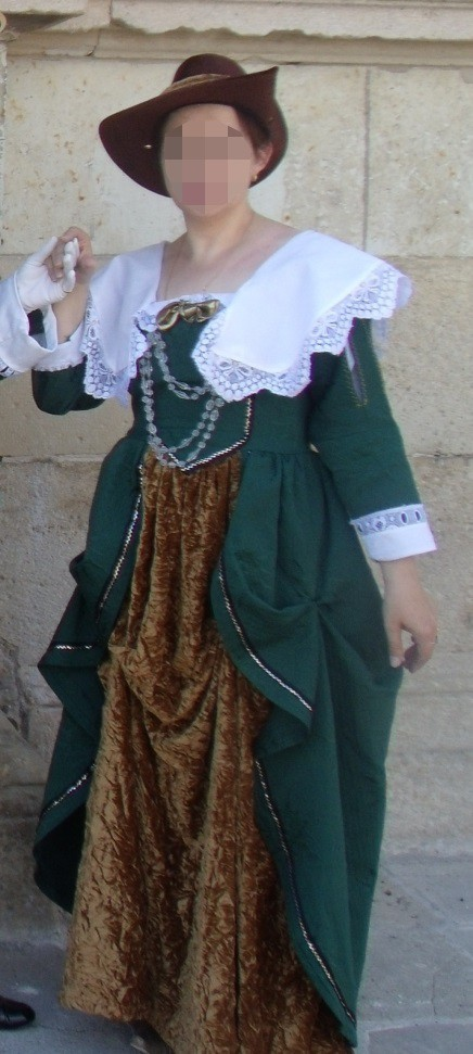 Lady of Nitray's costume