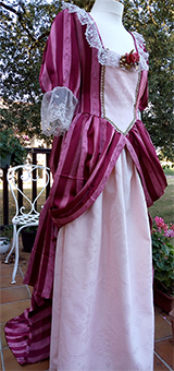Thumbnail of the Anne de Frezeau's costume